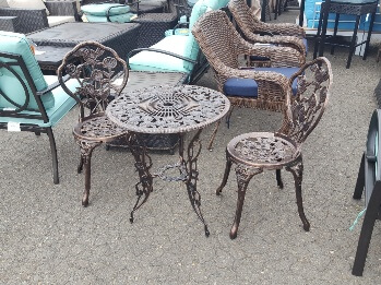 Outdoor 3-Piece Bistro Set with Rose Accents