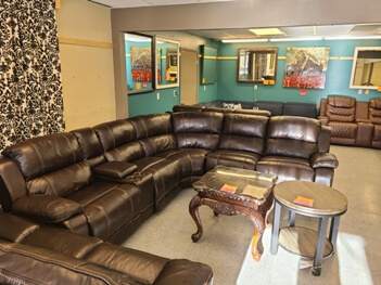 Home Meridian Dunhill Leather Power Reclining Sectional with Power Headrests (blemish)