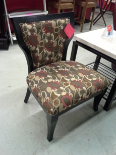 Coaster Upholstered Accent Chair in Oblong Pattern with Hardwood Frame